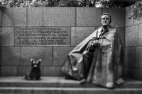 A bronze cast of Franklin D Roosevelt